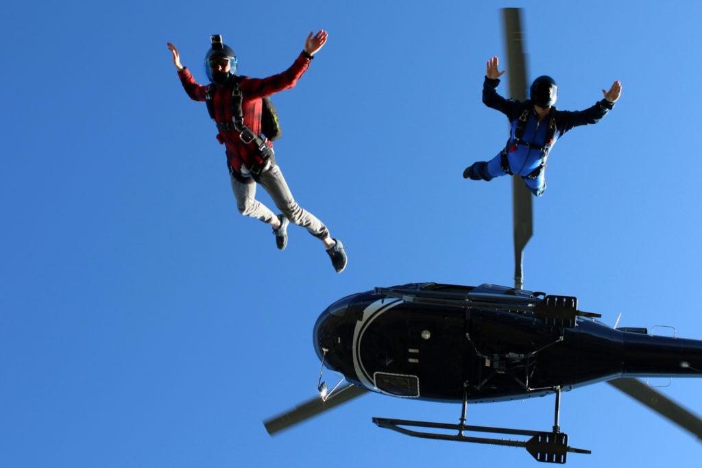 Flights Experiences - Parachutist Drop - Mont Blanc Hélicoptères Les Arcs