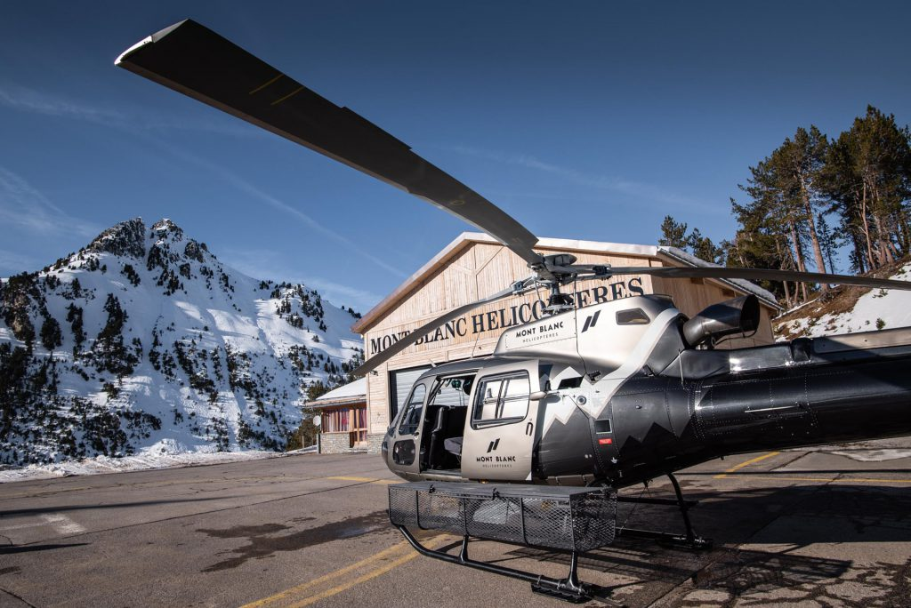 Helicopters - AS350 - Mont Blanc Hélicoptères Les Arcs
